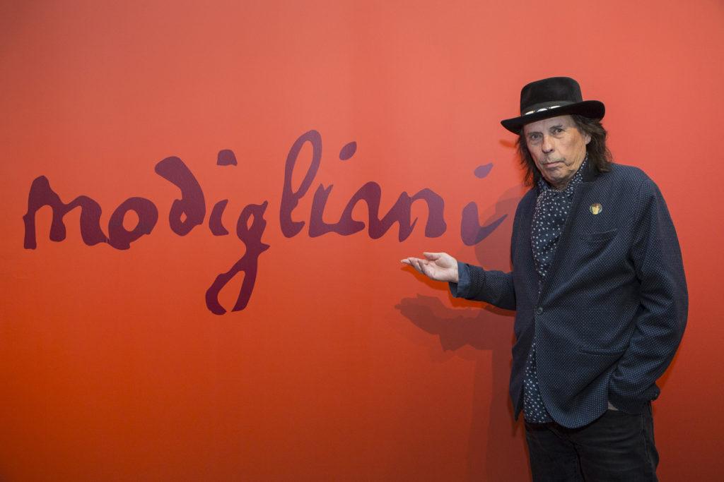 """""""On ihan eri asia nähdä Modiglianin työt livenä kuin kuvista. Käykää ihmeessä näyttelyssä!"""" Dave Lindholm sanoo.¨"""