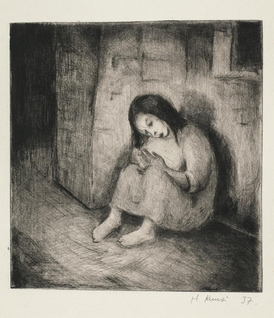 Kuva Helmi Kuusen teoksesta Tulitikkutyttö, jossa tyttö istuu nojaten seinään.
